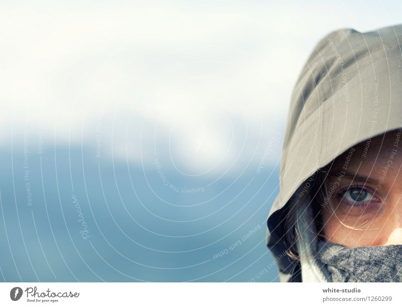 Fokussiert Frau Jugendliche Junge Frau Einsamkeit kalt Gesicht Erwachsene Auge feminin Sport Lifestyle Mode wild genießen Abenteuer geheimnisvoll