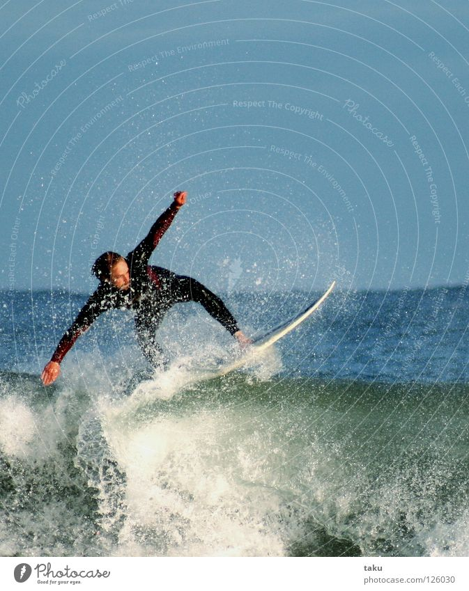 .....YEEEAAAHHH...III Neuseeland Surfer Surfbrett springen Sommer Sport Wassersport p.b Damon exciting sun sea waves big waves blue wetsuit cold water watching