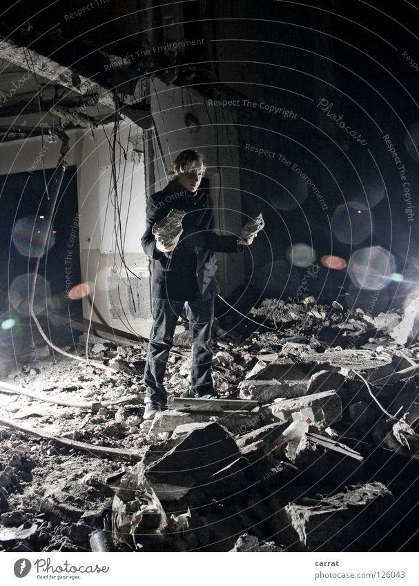 Auf den Trümmern der Vergangenheit... Traurigkeit Angst Perspektive Trauer Zukunft Aussicht verfallen Verfall Vergangenheit Verzweiflung Konstruktion Zerstörung Demontage Plattenbau Zukunftsangst