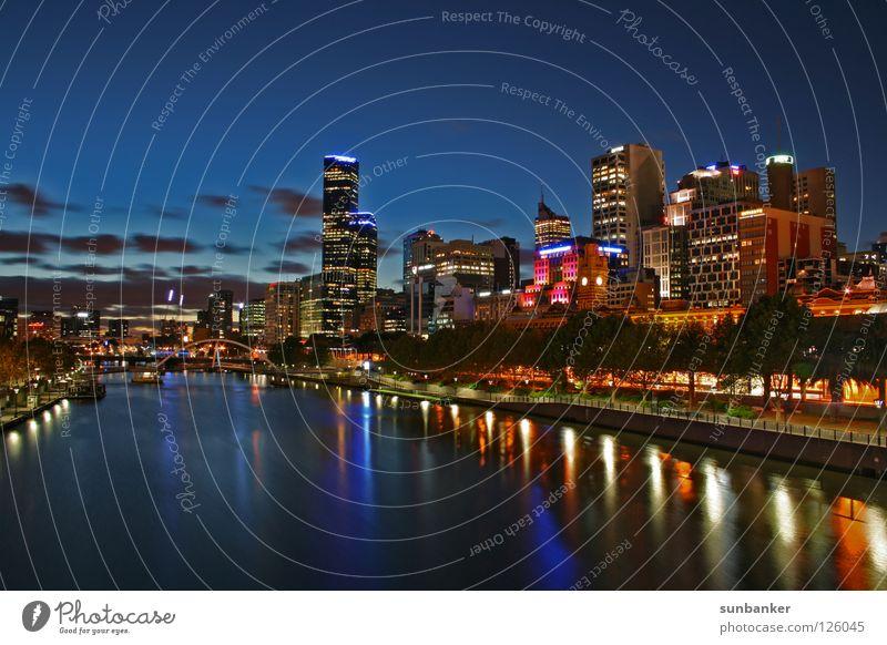 Melbourne Night Australien Nachtaufnahme Romantik Abenddämmerung Stadt Skyline Paradies Fluss Flussufer Stadtlicht Wasserspiegelung Hochhaus Nachthimmel