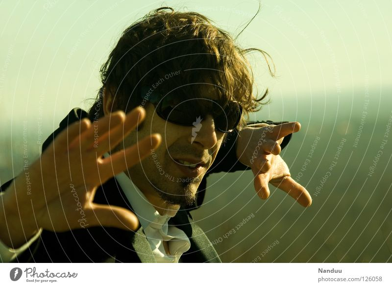 : R E L O A D E D : Is was?! Agent Anzug Mann Sonnenbrille maskulin grün Matrix Coolness Kerl Körperhaltung Gewalt brutal böse Bösewicht mehrfarbig Nervosität