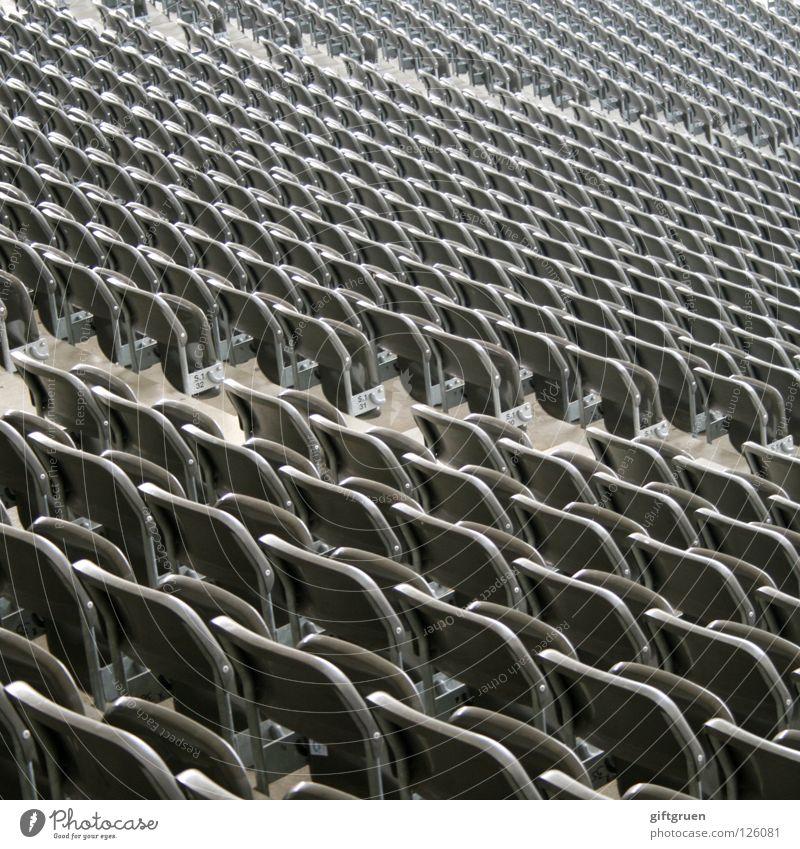 klappstuhl serienmäßig Sport Spielen Fußball warten Erfolg leer Perspektive mehrere Wüste Unendlichkeit Konzert Veranstaltung Reihe Publikum Fan Sitzgelegenheit