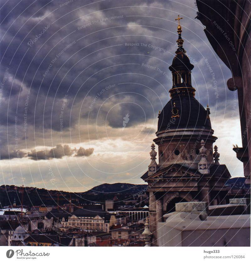 Budapest Szent István-bazilika Mittelformat Wolken Stadt Aussicht Klassizismus Reliquien Bell Tower Himmel Licht Haus Horizont Gotteshäuser Ungar Basilika
