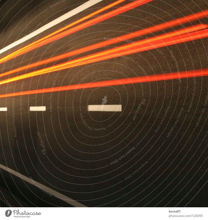 zurück in die Vergangenheit weiß rot gelb Straße orange Geschwindigkeit Autobahn Verkehrswege Lichtgeschwindigkeit grau-schwarz