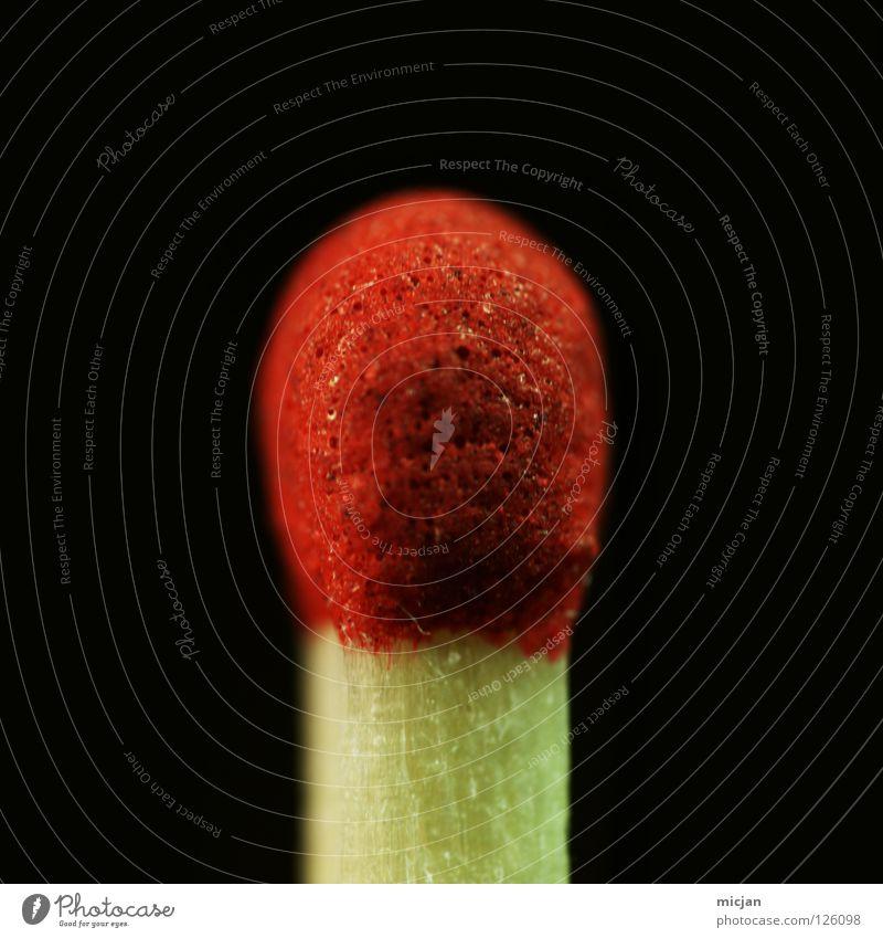 Stock Delüx Streichholz Holz rot gelb braun schwarz brennbar brennen Zerreißen anzünden nah klein winzig Macht unbenutzt Brand Material Oberfläche Dinge Feuer