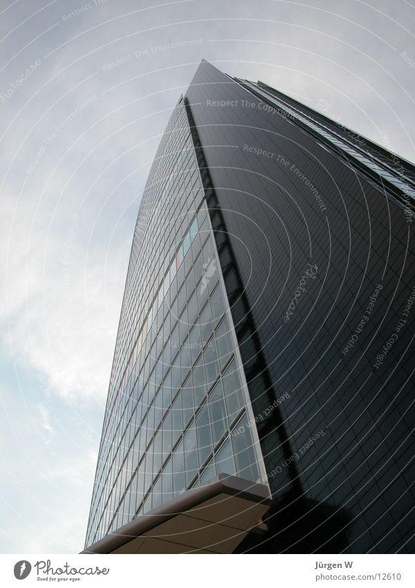 Das höchste Haus 1 Himmel Wolken Fenster Architektur Hochhaus hoch Düsseldorf