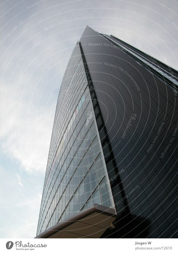 Das höchste Haus 1 Hochhaus Wolken Himmel Fenster Architektur Düsseldorf hoch architecture building sky clouds window