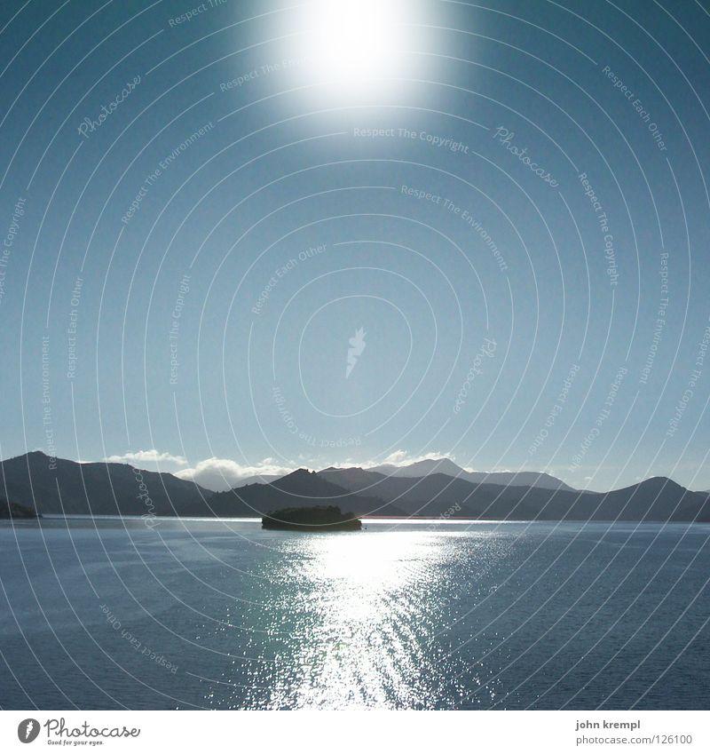 Queen Charlotte Sound Nelson-Picton Neuseeland Gegenlicht Küste Meer Licht Fähre Wasserfahrzeug ruhig Strand Sonne Insel Cookstraße James Cook Lichterscheinung