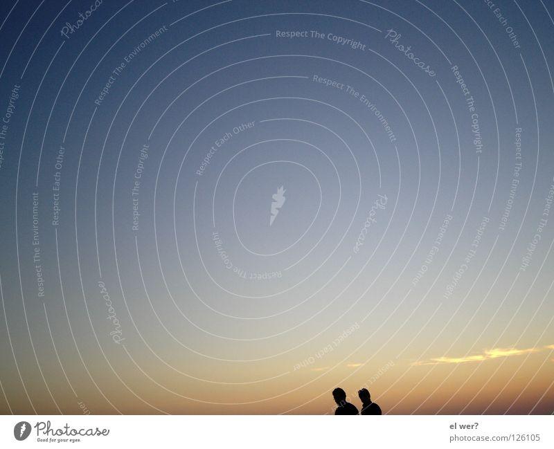 Sonnenuntergang zu zweit Mensch Himmel Liebe Einsamkeit Freiheit Paar paarweise