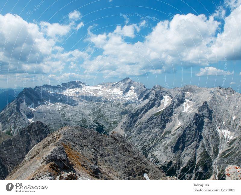 Germanys top mountain Natur blau Sommer Landschaft Wolken Berge u. Gebirge Umwelt grau Felsen authentisch Klima Schönes Wetter Gipfel Alpen Fernweh eckig