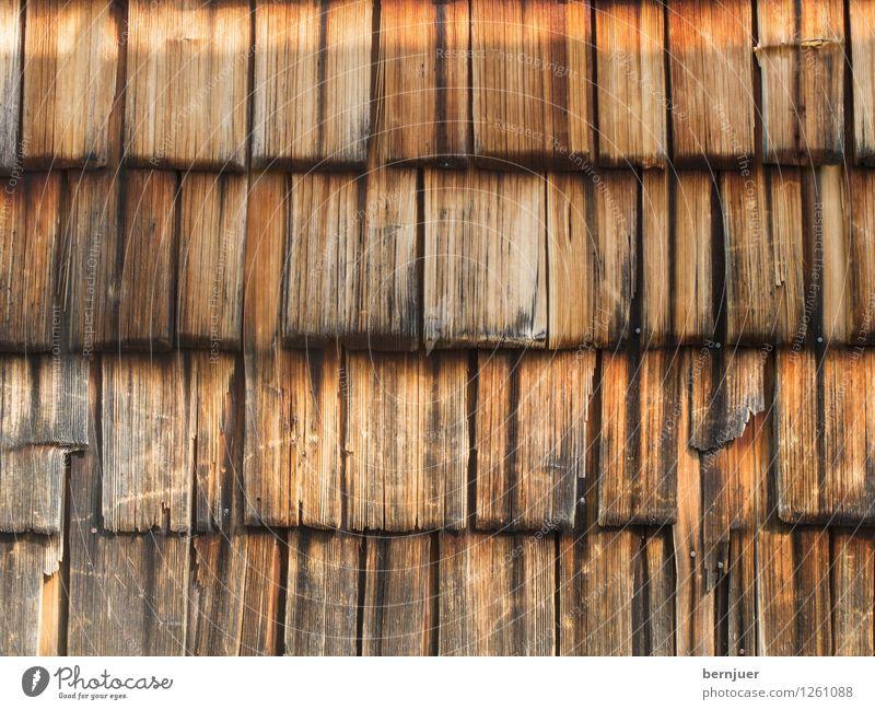 Hoiz vor da Hüttn Holz einfach Billig gut braun Holzwand Strukturen & Formen Hintergrundbild Schindeldach Holzschindel verwittert alt rustikal ländlich