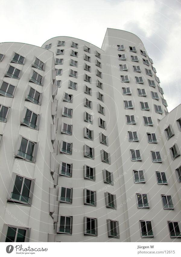 Gehry-Bauten, Düsseldorf weiß Haus Architektur hoch Düsseldorf Gehry Bauten