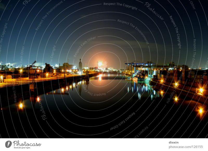 Steamcracker´s Night Mannheim Ludwigshafen Nacht Licht Fabrik Reflexion & Spiegelung brennen Lösungsmittel Containerterminal Hafen Raffinerie HDR Romantik schön