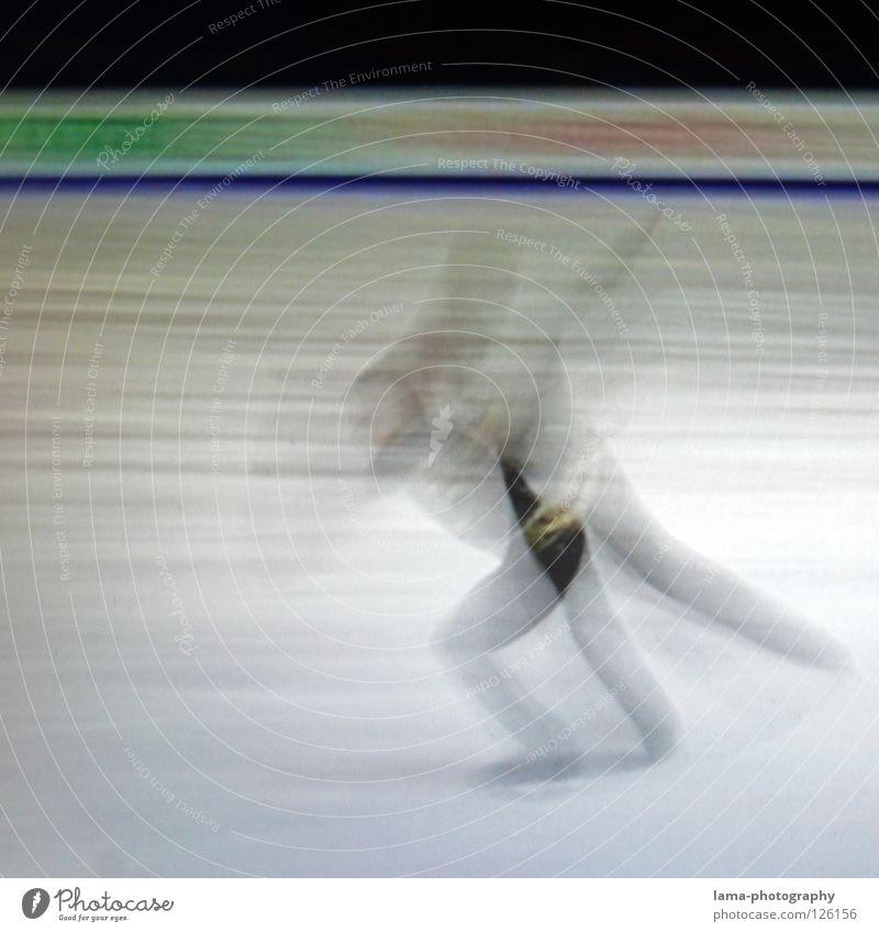 Take off [PIXELS IN MOTION] Mensch weiß schwarz Bewegung Kunst Eis fliegen elegant laufen Geschwindigkeit Streifen Flügel fahren Symbole & Metaphern Fernseher Filmindustrie