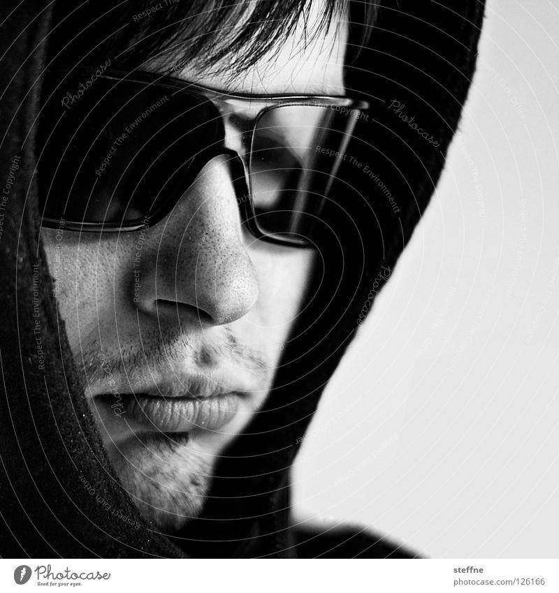 Keep coolie cool boy! Porträt Sonnenbrille Kapuze Kapuzenpullover gefährlich gnadenlos Krimineller Mann Kerl Mörder steffne self Coolness Selbstprotrait