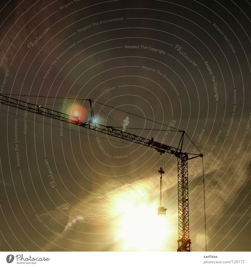 Kran ohne Fernsehturm heben Gewicht leicht Gesellschaft (Soziologie) Baustelle Konjunktur Gitter Konstruktion Gegenlicht blenden Sonnenaufgang Handwerk Kraft