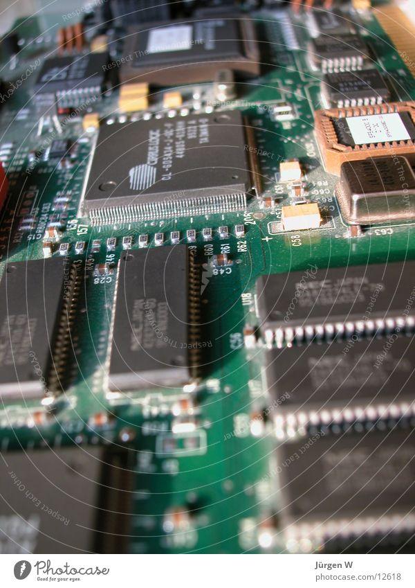 Strassenschluchten Computer Platine Elektrisches Gerät Technik & Technologie Mikrochip technology plate