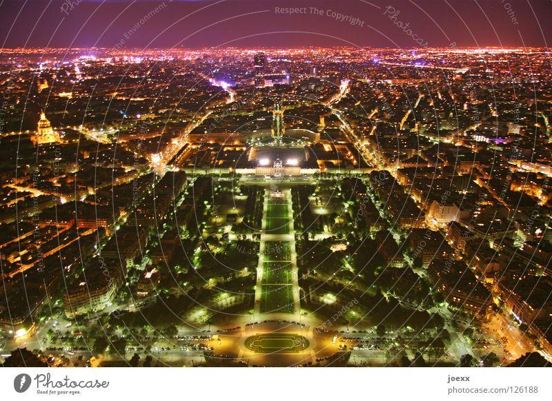 big city lights Nachthimmel Horizont Fluss Paris Frankreich Hauptstadt Stadtzentrum Skyline Park Brücke Tour d'Eiffel Verkehrswege glänzend hell hoch mehrfarbig