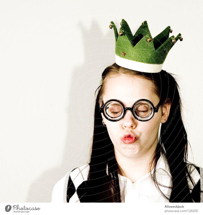 Die Froschkönigin Frau schön Mund warten Brille Küssen Mütze genießen Baumkrone Märchen Erwartung Charakter blind Kussmund Prinzessin Aschenbecher