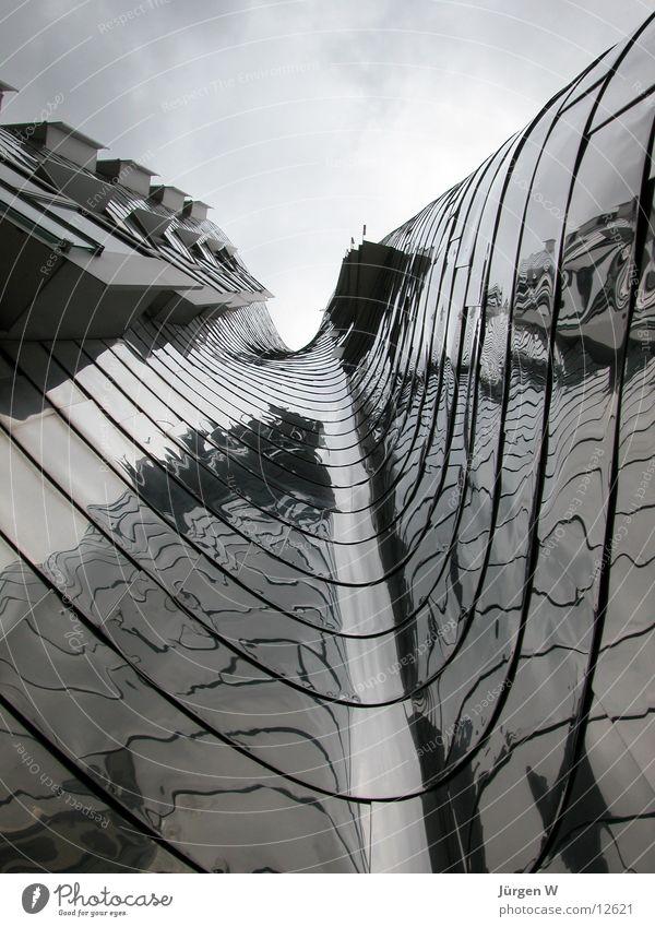 Neuer Zollhof, Düsseldorf Himmel Wolken Metall Wellen Architektur Gehry Bauten