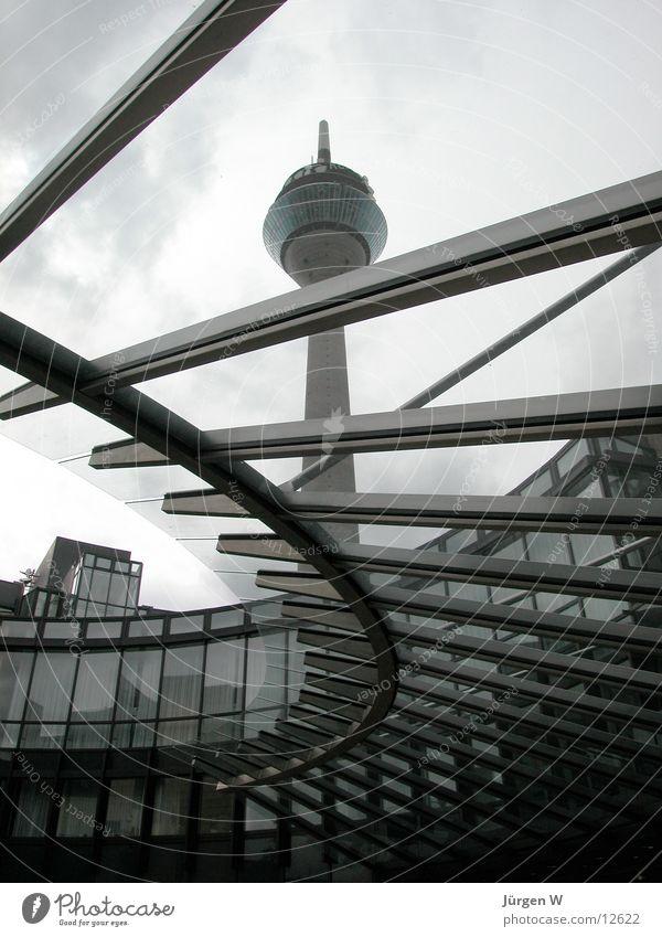 Rheinturm mit Landtag Dach Himmel Architektur Düsseldorf architecture rhinetower roof sky federal state parliament
