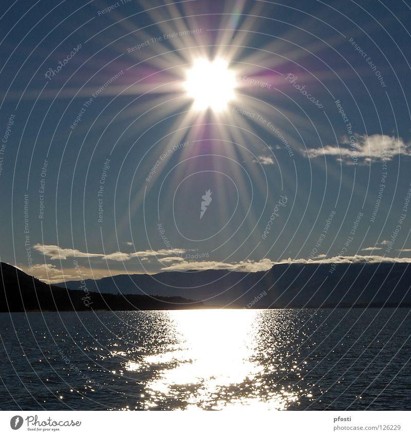 !Buenos dias! Sonnenaufgang Sonnenstrahlen Gegenlicht Licht Morgen Wolken Wellen Sommer ruhig Wildnis See Meer Küste Wasserfahrzeug Fähre Argentinien