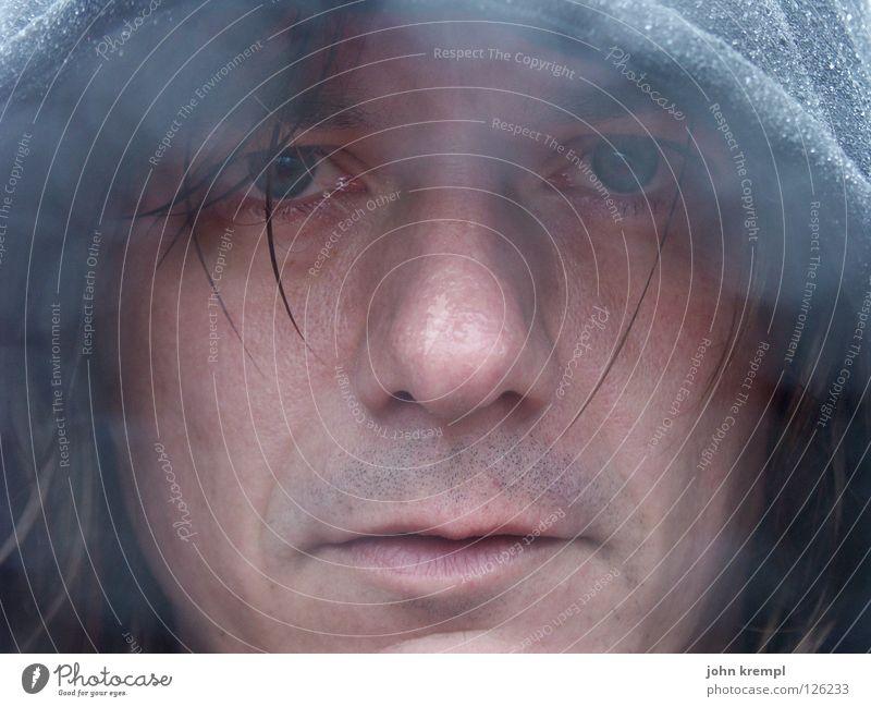 Scheiß Regen Mann Gesicht dunkel Traurigkeit Regen nass Trauer Gewitter Verzweiflung feucht trüb Neuseeland Mönch Geistlicher Porträt Klage