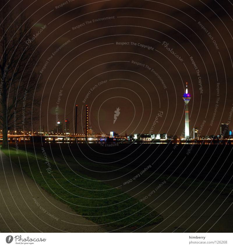 sleepless Stadt blau Straße Lampe Beleuchtung Lifestyle Brücke modern Turm Spitze Skyline Düsseldorf Belichtung Fernsehturm Rhein