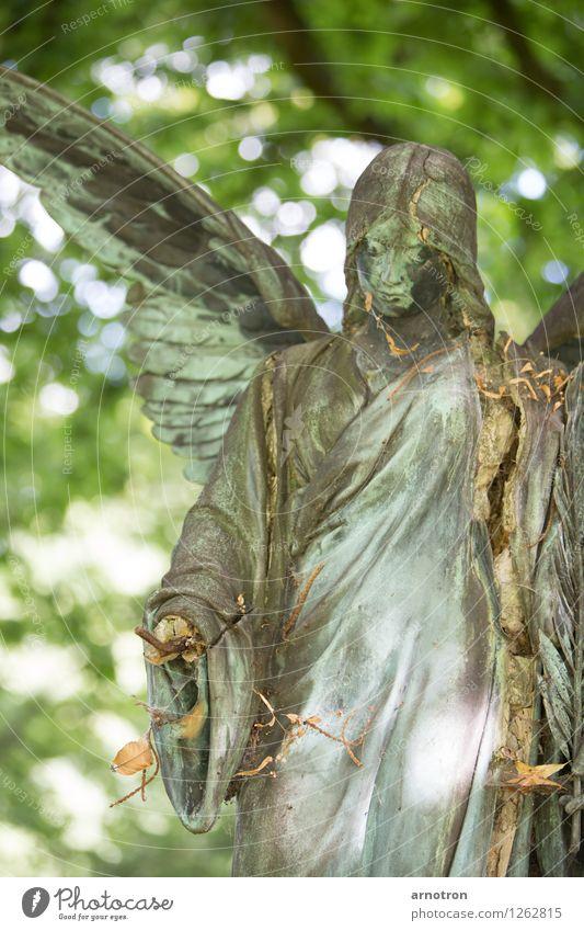 broken angel 1/2 androgyn Haare & Frisuren Gesicht Denken harmonisch Trauerfeier Beerdigung feminin Hand Engel Statue Kupfer Friedhof Ohlsdorfer Friedhof