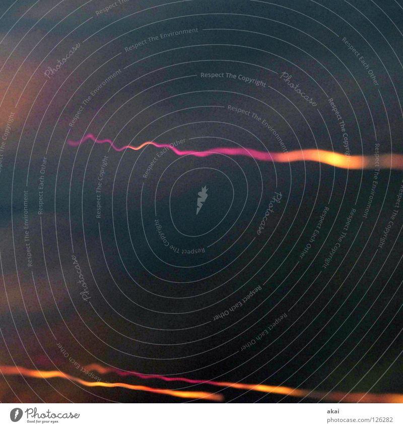Ufo Lichterspiel 17 blau rot Farbe gelb orange Streifen Technik & Technologie Versuch Lichtspiel Studie Belichtung UFO krumm magenta Elektrisches Gerät Rauschmittel