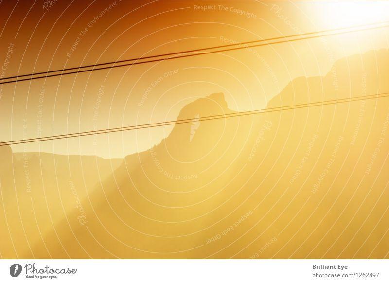 Bergkette im Sonnenschein Natur Sommer rot Berge u. Gebirge gelb Wärme Gefühle außergewöhnlich Stimmung wandern authentisch groß Europa Schönes Wetter Abenteuer Macht