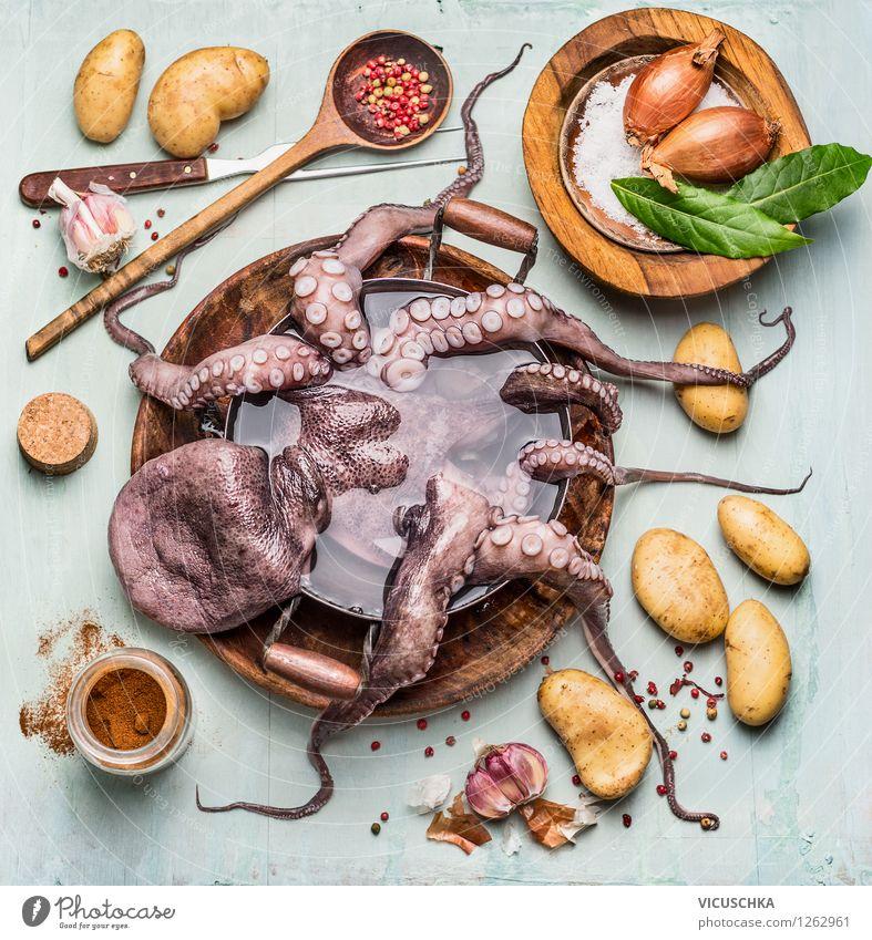 Ostopus mit Zutaten fürs Kochen Lebensmittel Meeresfrüchte Gemüse Kräuter & Gewürze Ernährung Mittagessen Abendessen Bioprodukte Vegetarische Ernährung Diät