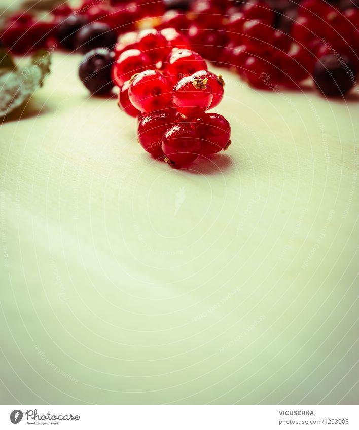 Rote Johannisbeeren Natur Sommer Gesunde Ernährung rot Leben Foodfotografie Stil Hintergrundbild Garten Lebensmittel Design Frucht Tisch Bioprodukte Frühstück