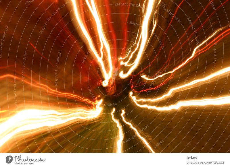 weihnachtszoom Licht Lichterkette Streifen Zoomeffekt Langzeitbelichtung Tanne