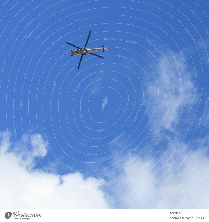 KURZ NACH DEM ABSPRUNG Hubschrauber Rettungshubschrauber Fallschirmspringen Arzt Luft Himmel Spielzeug Absturz Desaster rotieren Propeller Sanitäter Wolken