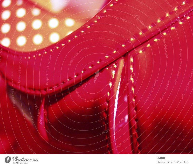wieder einmal ROT Schuhe Sandale Leder Naht Nähen rot rosa weiß gelb Bekleidung Punkt Fleck Treppenabsatz Klapperl