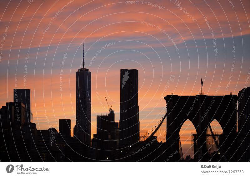 New York City Ferien & Urlaub & Reisen Tourismus Sightseeing Städtereise USA Amerika Stadt Skyline Hochhaus Brücke Sehenswürdigkeit Wahrzeichen Wärme Fernweh