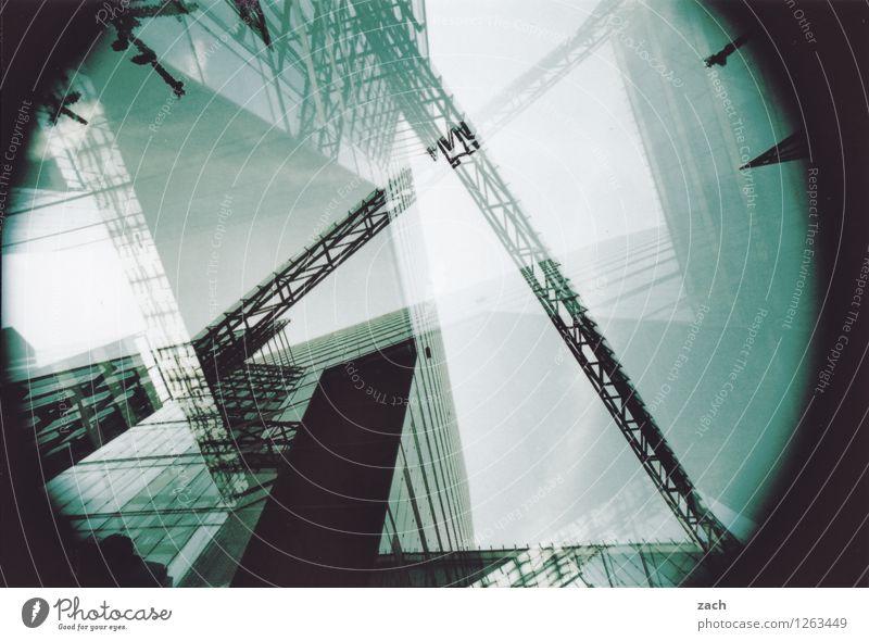 Chaos, vorsortiert Berlin Stadt Hauptstadt Stadtzentrum Skyline Menschenleer Haus Hochhaus Bankgebäude Bauwerk Architektur Bürogebäude Mauer Wand Fassade Beton
