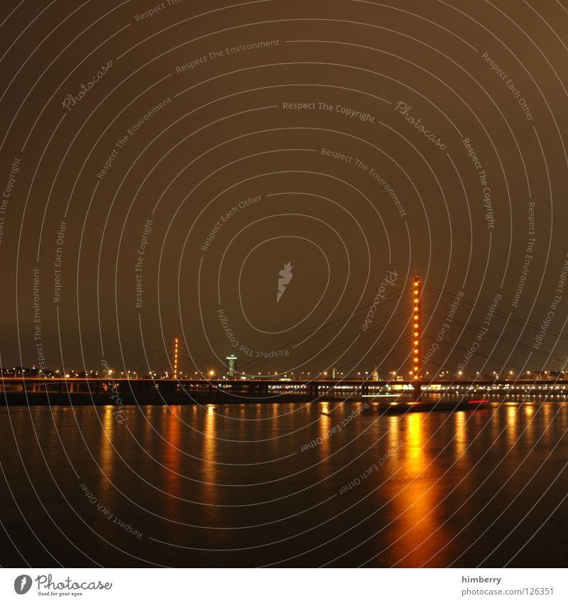 dTown citylights I Stadt blau Straße Lampe Beleuchtung Hochhaus Lifestyle Brücke modern Turm Spitze Skyline Düsseldorf Belichtung Nachtleben