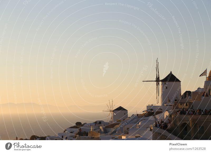 Santorin Lifestyle Reichtum Wellness harmonisch Erholung Ferien & Urlaub & Reisen Tourismus Kreuzfahrt Sommerurlaub Strand Meer Insel Kunst Landschaft Horizont