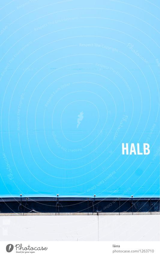 halb Textfreiraum Schriftzeichen Kommunizieren Kunststoff Information türkis Werbung Erwartung Konkurrenz Hälfte Problemlösung Freiraum schriftlich werben