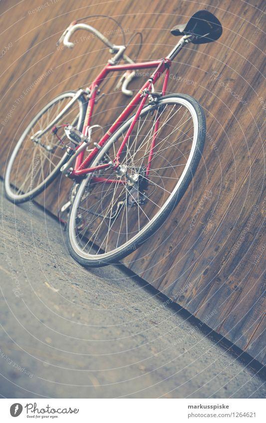 urbane mobilität - retro hipster rennrad Stadt schön rot Straße Stil Lifestyle Design Freizeit & Hobby elegant authentisch Fahrradfahren Fitness sportlich