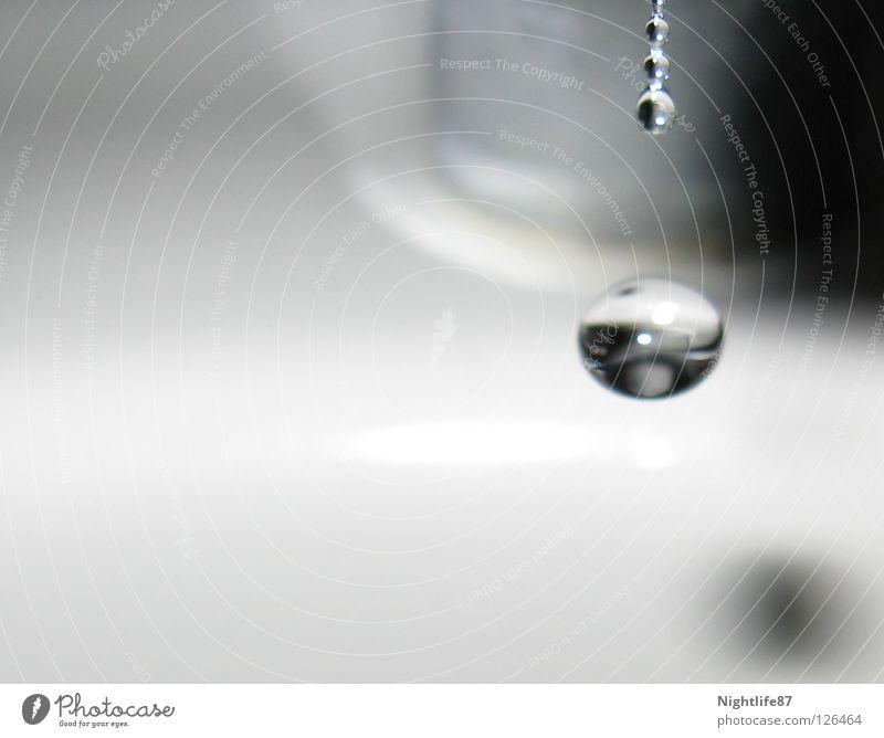 drop down Wassertropfen Tropfen Wasserhahn dreckig Flüssigkeit Bad Reinigen tropfender Wasserhahn Eiszapfen Dusche (Installation) Sauberkeit