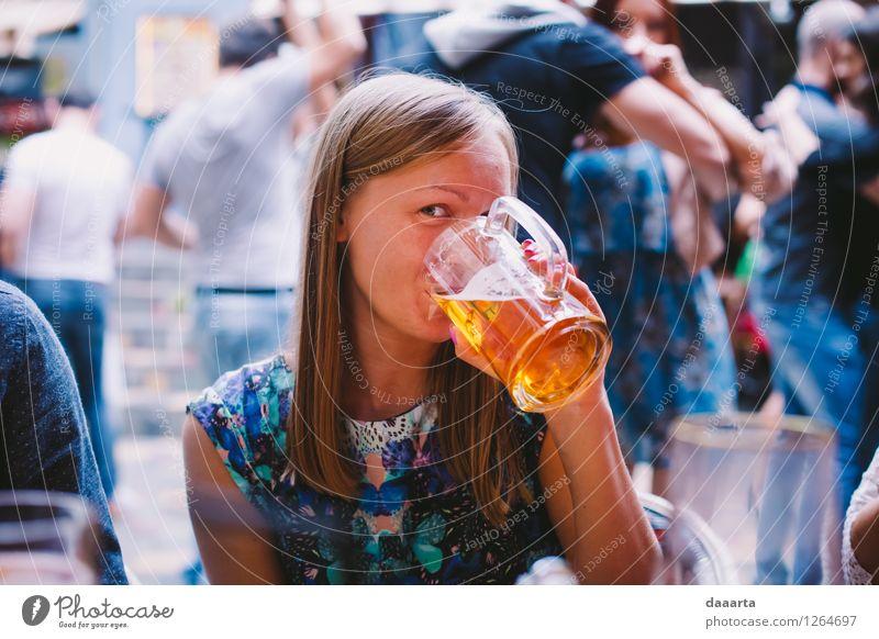freches Bier Sommer Freude Wärme Leben Gefühle feminin Stil Feste & Feiern Freiheit Lifestyle Stimmung Freizeit & Hobby wild elegant Fröhlichkeit verrückt