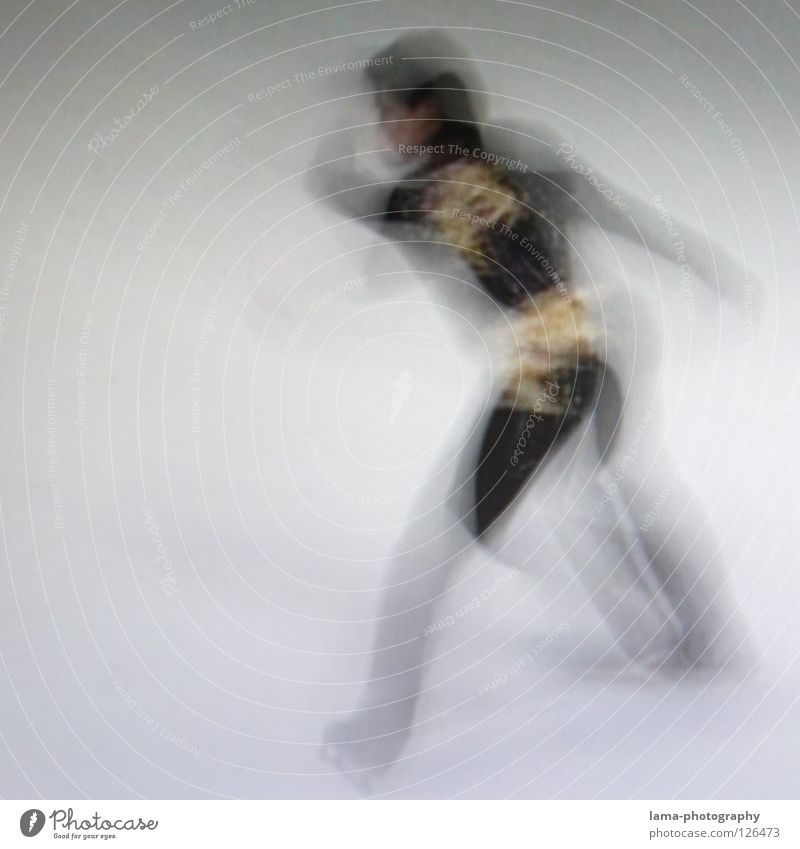Get going [PIXELS IN MOTION] Mensch weiß schwarz Bewegung Eis Tanzen elegant Geschwindigkeit drehen Sportveranstaltung Belichtung Drehung Schlittschuhlaufen