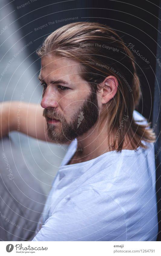 er. Mensch Jugendliche schön Junger Mann 18-30 Jahre Erwachsene maskulin Coolness trendy langhaarig Vollbart