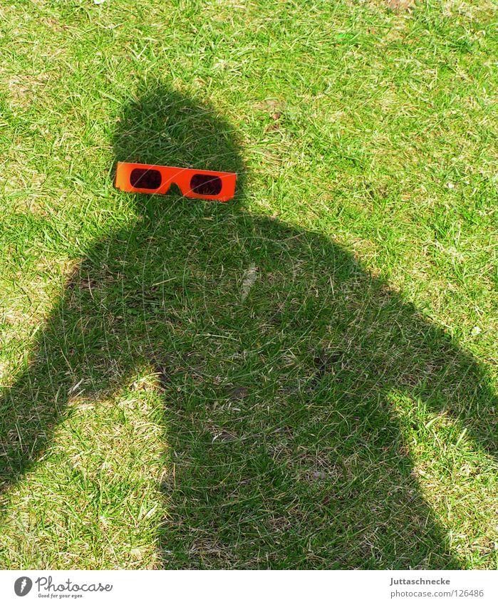 Mr. Bojangles Schatten Brille Silhouette rot Sonnenbrille Gras grün Freude Mensch Garten der schwarze Mann Juttaschnecke Witz