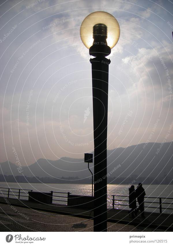 Energiesparlampe Sonne Lampe See Zusammensein Energiewirtschaft Spaziergang Wissenschaften Straßenbeleuchtung