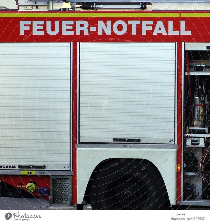 feuer notfall Arbeit & Erwerbstätigkeit Brand gefährlich bedrohlich Respekt Unfall Warnhinweis Feuerwehr Notfall löschen Warnschild