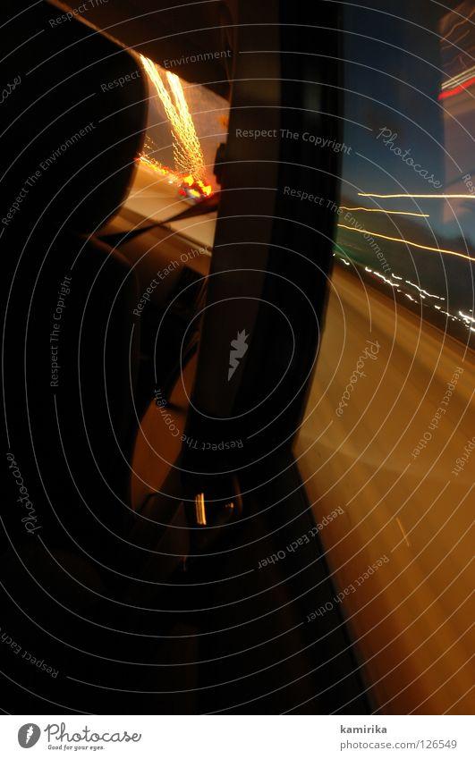 zickzack Geschwindigkeit Langzeitbelichtung fahren Nacht laufen Zeitmaschine Streifen PKW Rasen düsen Dynamik Licht